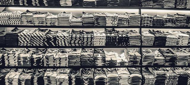 černobílá trička